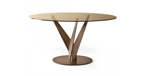 Tavolo in ottone
